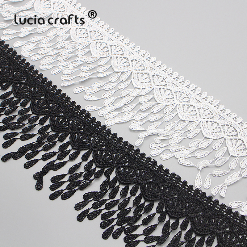 5 Meters Polyester Vine Leaves Lace Edge Trim Ribbon 25 mm Width Vintage Style White Edging Trimmings Fabric Embroidered Applique Sewing Craft Wedding Bridal Dress DIY Decoration Clothes Embroidery