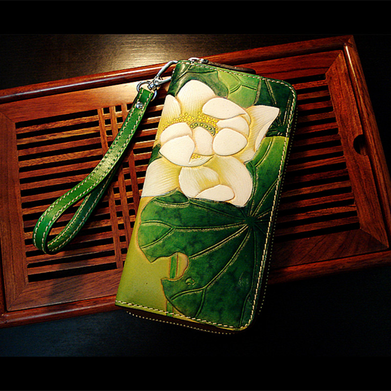 Genuine Leather Wallets Carving Water Lilies Leaf Bag Purses Women Long Clutch Vegetable Tanned Leather Wallet Mothers Day gift vintage genuine leather wallets carving lion hasp bag purses women long clutch vegetable tanned leather wallet fathers day gift