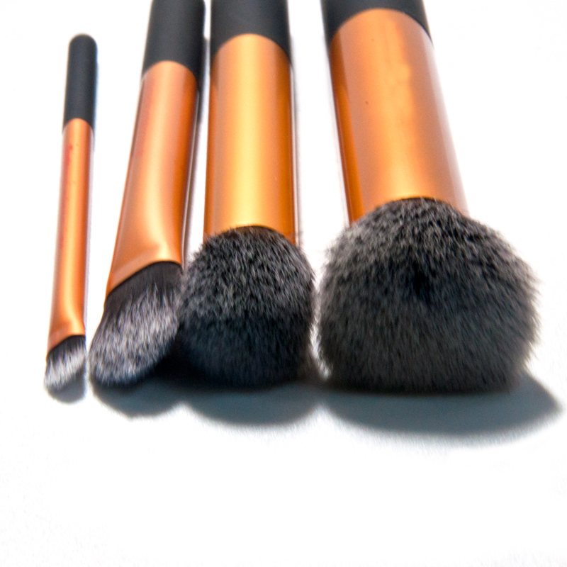 4 Pcs Golden Waistline Sculpting Brush Set Professional Makeup Brushes Cosmetic Tool Maquiagem Accessories with original box 4 pcs golden professional makeup brushes waistline sculpting brush set cosmetic tool maquiagem accessories with original box