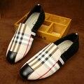 Горячие продажи мужчины мокасины плед печати скольжения на холст обувь на плоской повседневная обувь вождения мокасины лодка обувь размер 38-43