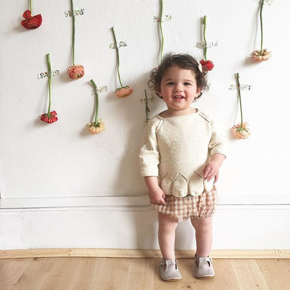 2016 new kids girls sweater toddlers girls pick hole petal coat