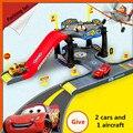 2 Cars и 1 самолет Pixarene Автопробега DIY Парковка Модель Обучающие Toys для Детей brinquedos Packeting автомобиля детектор