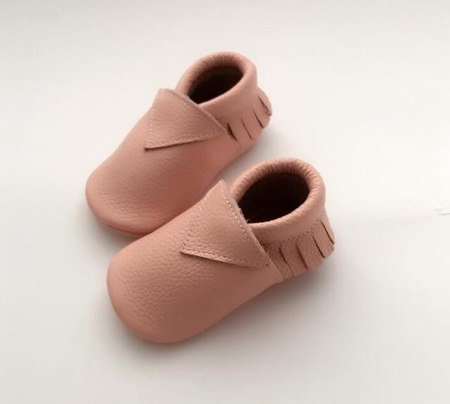 Atacado 20 pares/lote New Genuine Mocassins De Couro do bebê bebê Sapatos meninos sólidos Newborn primeiro walker Anti-escorregar Sapatos da criança