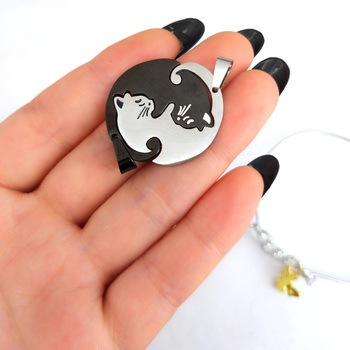 hzew cute Couples Jewelry animal Black white Couple Necklace 1