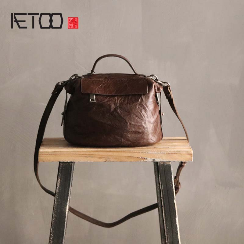 AETOO 2018 new hand grab pleated first layer leather shoulder bag slung small bag handbag retro art leather handbag women aetoo new small square bag retro leather handbags hand painted first layer of leather shoulder bag ladies handbag