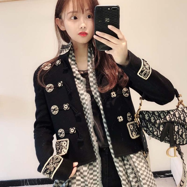Vintage 2019 Spring New Jacket Women Fashion Embroidery Stand Collar Long Sleeve Horn Button Loose Autumn Women Outwears AO857