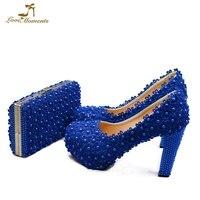 Красивые голубые кружева Для женщин насосы с подходящая сумочка на не сужающемся книзу массивном каблуке Обувь Для подружки невесты с коше
