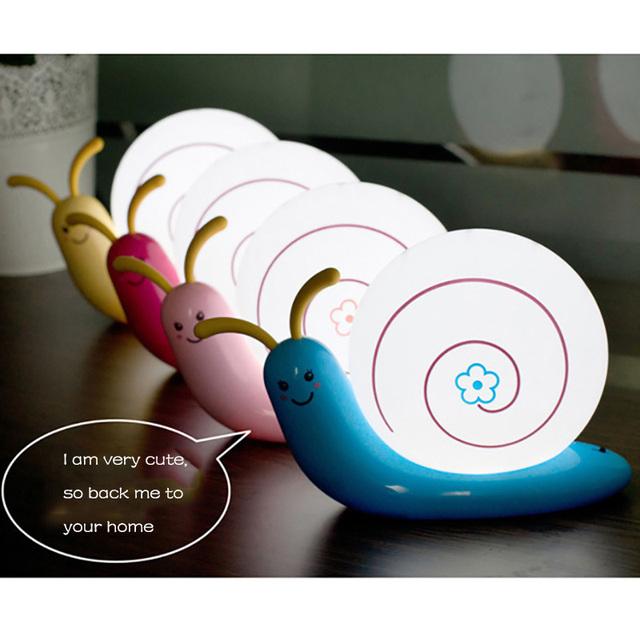 1 Unidades de La Novedad Juguetes USB Caracol Dormir Projestion Luz Lámpara de Mesa de Pared Creativo Dormitorio Bebé de la Historieta Embroma el Regalo de Cumpleaños Los Niños
