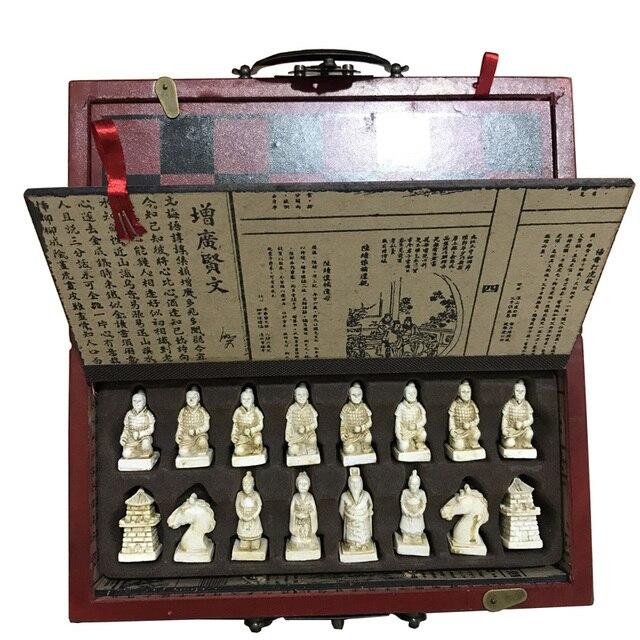 Ensemble d'échec complet pliable avec valise style chinois armée en terre cuite antique 5
