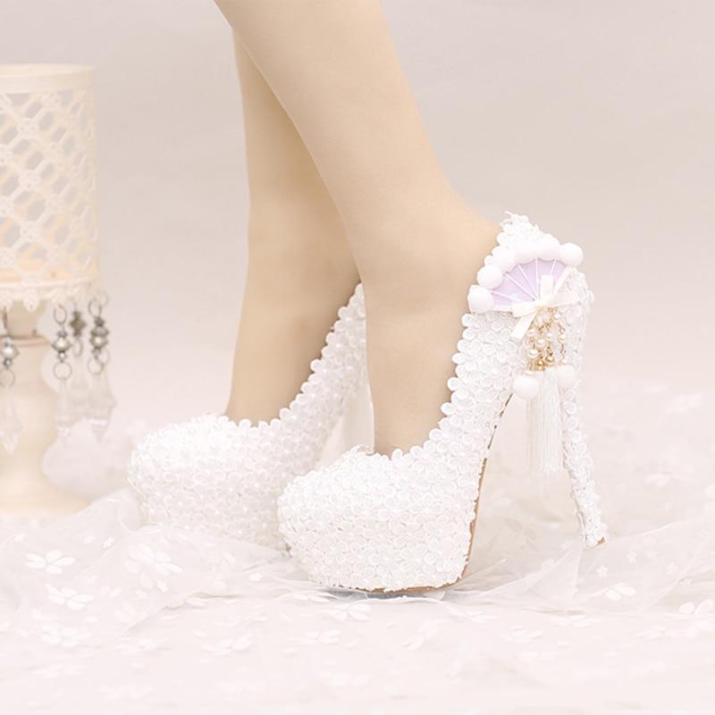 2017 White Lace Wedding Shoes Platforms Beautiful Women Pumps with Appliques Tassel Gorgeous Design Bridal Party