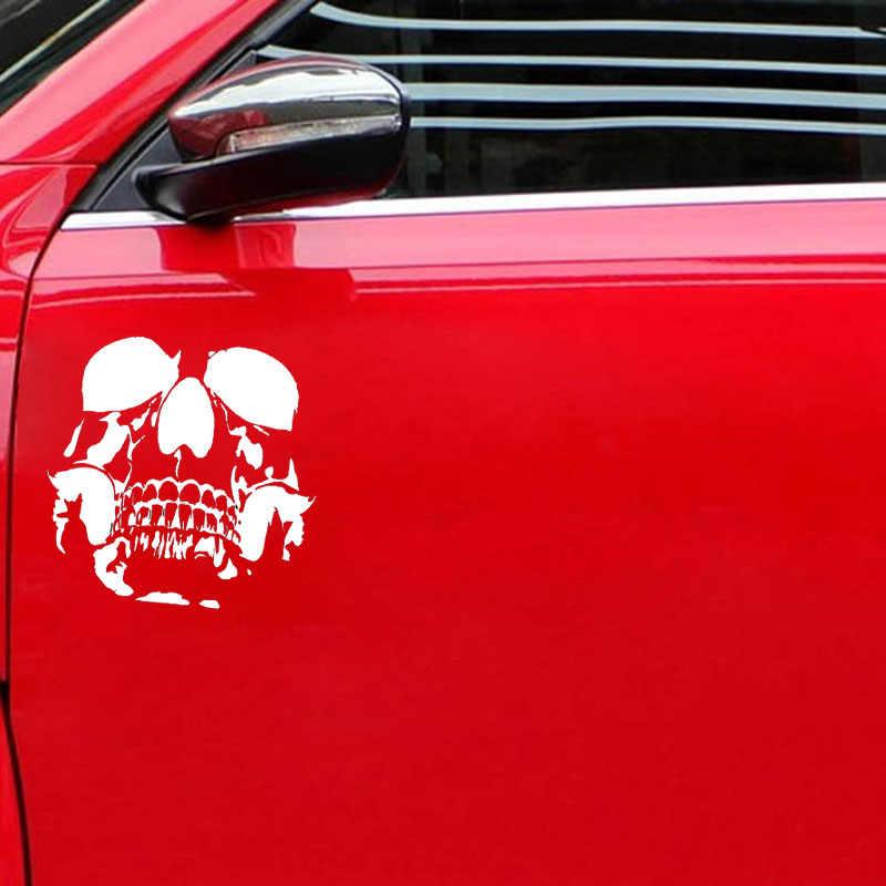 QYPF 15.6*15.2 سنتيمتر جميل الجمجمة ملصقات السيارات الفينيل دراجة نارية اكسسوارات الديكور C16-0232
