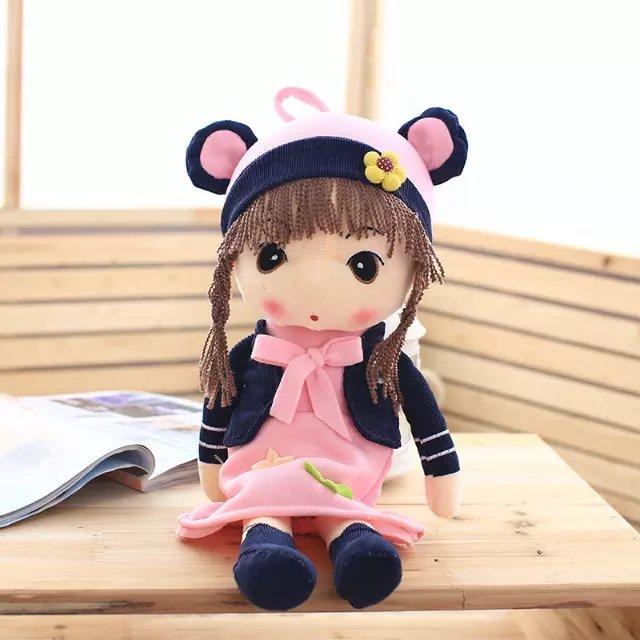 Fille poupée en peluche jouet