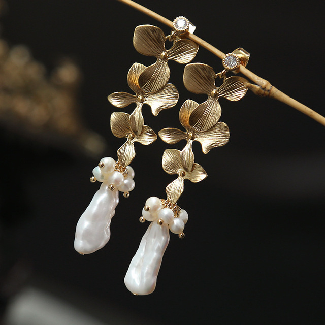 Женские серьги гвоздики с искусственным жемчугом