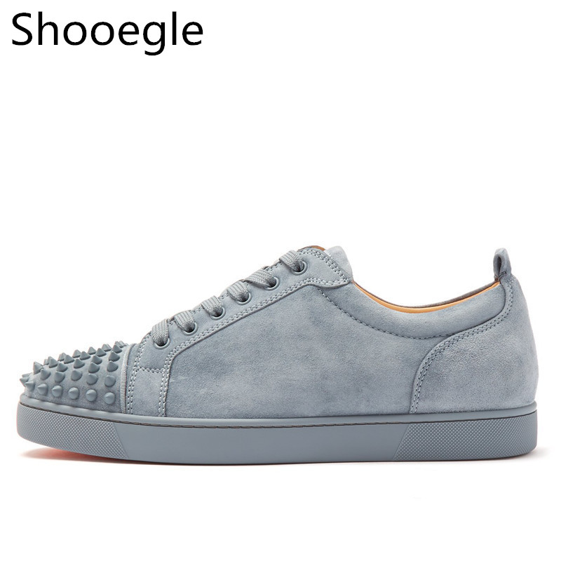 Grey Suede Men Casual Shoes Rivet Stud Flat Low Top Spike Outdoor Sneakers Lace Up Men Runway Chaussures Hommes