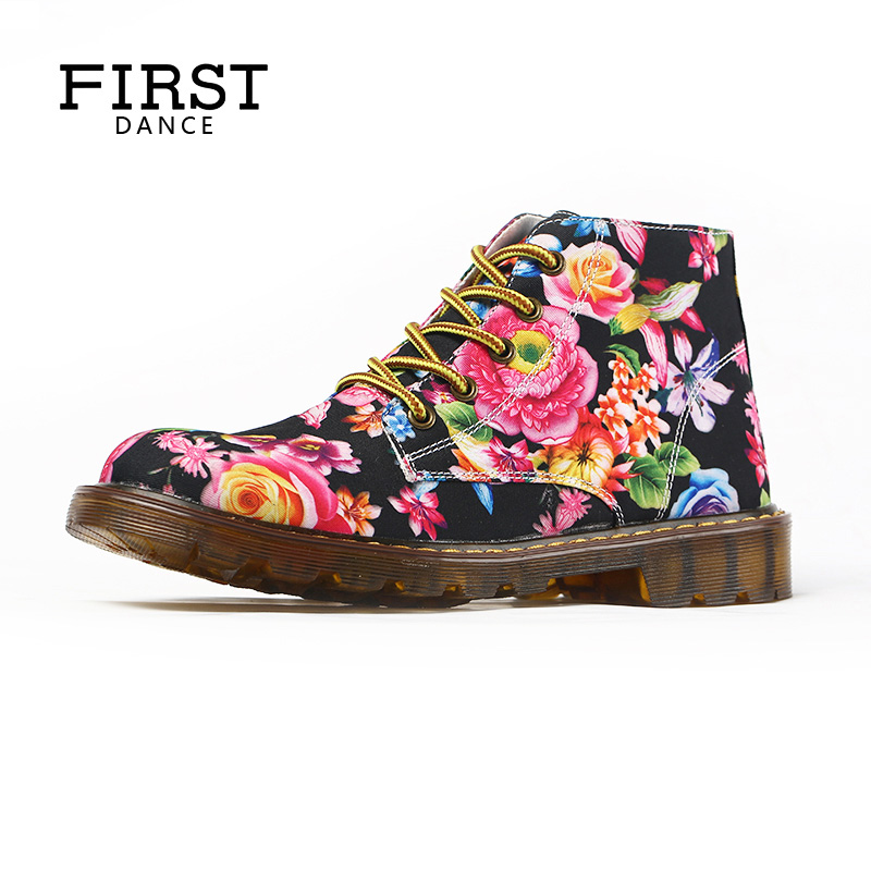 FIRST DANCE 2018 Luxury Brand Fashion Tenis Feminino Women Dr Martin Shoes Flower Print Black Ankle Shoes Womens Oxfords Spring