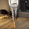 Черный белый 2016 персонализированные орнамент моды эластичные тонкие брюки мужской моды цветочные брюки мужские Оригинальный М-XL