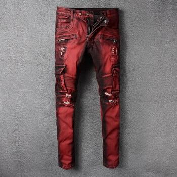 Mode Streetwear Männer Jeans Rote Farbe Slim Fit Elastische Verstärktes Ripped Jeans Männer Große Tasche Denim Cargo Hosen Biker Jeans homme