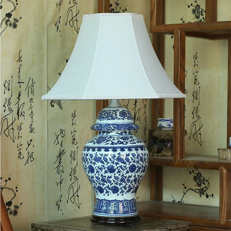 Chinese Vintage Classic White Blue Porcelain Table Lamp for ...
