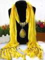 12 color 2017 rhinestone del diamante gris amarillo ponchos y capas de las mujeres collar colgante gota de agua collar de la bufanda mantón de las bufandas