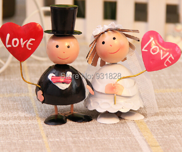 cheap wedding cake toppers decorations bride and bridegroom figurine cute wedding cake topper. Black Bedroom Furniture Sets. Home Design Ideas