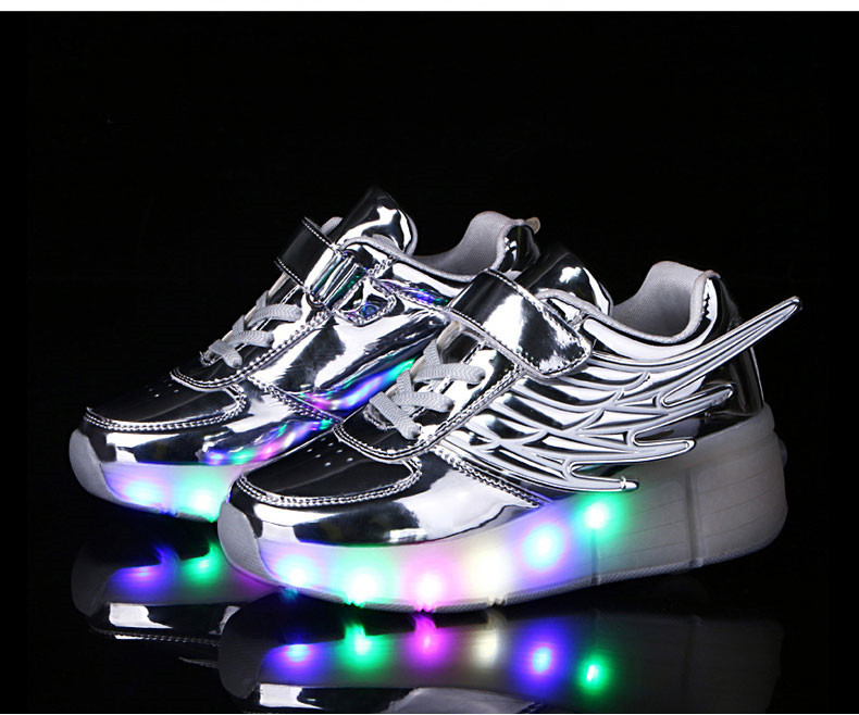 New Kids Black Glowing Sneakers With Wheels Boys Girls Automatic LED Light Roller Skates Shoes Child  tenis de rodinha2