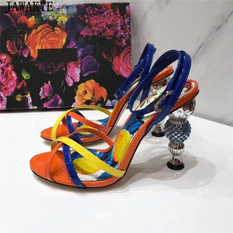 Runway prawdziwej skóry krystalicznie dziwne sandały na wysokim obcasie kobiety mieszane kolor krzyż pasek sandała Retro lato szpilki kobieta w Wysokie obcasy od Buty na  Grupa 2