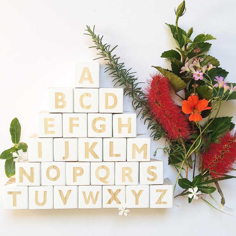 ตัวอักษรไม้ Montessori 26 ภาษาอังกฤษตัวอักษรการเรียนรู้การสอนวัสดุบล็อกปริศนา Baby Room Decor อุปกรณ์เสริม