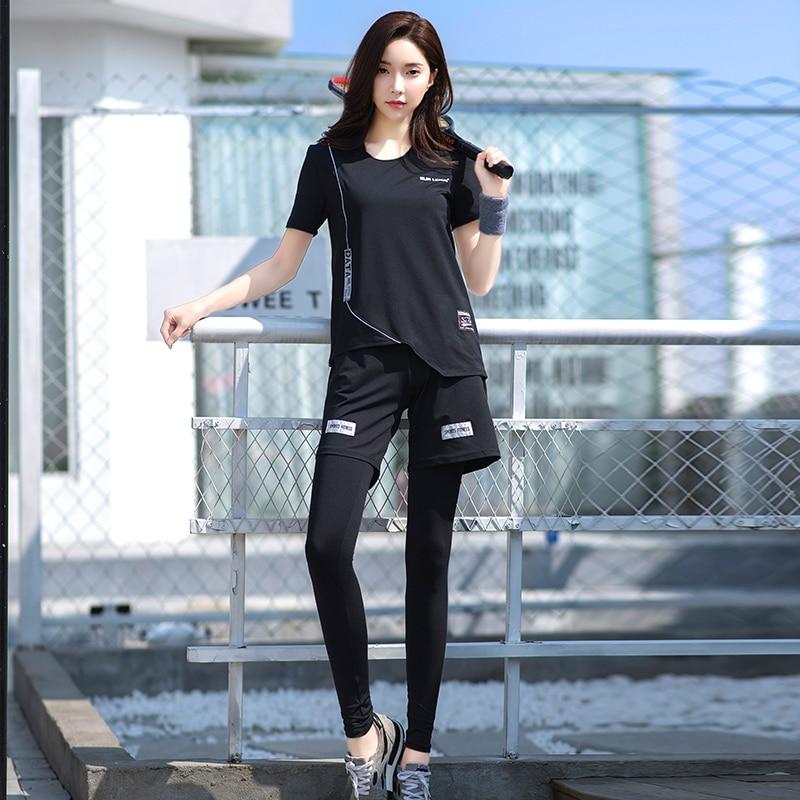 ✔  Фитнес женский комплект для йоги 4 в 1 черный бюстгальтер для йоги  брюки и свободные шорты и футбол ①