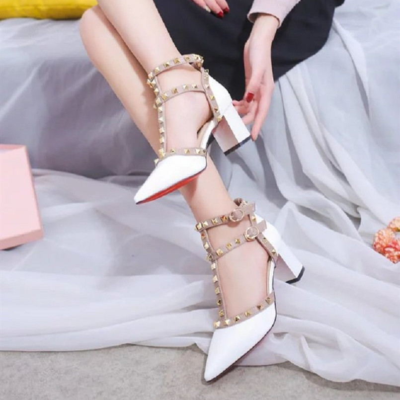 Femmes mignon confortable rivet pu cuir bout pointu chaussures à talons hauts dame sexy parti haut talon pompe tacones altos a3244