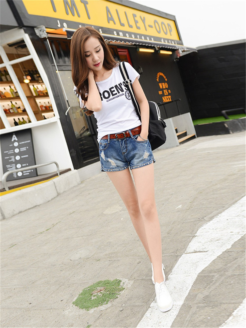Mainland Retro Mid waist Women Short Jeans Woman Denim Female Wild Short-Pants Summer Loose Short Fashion Plus size Short jeans  (22)