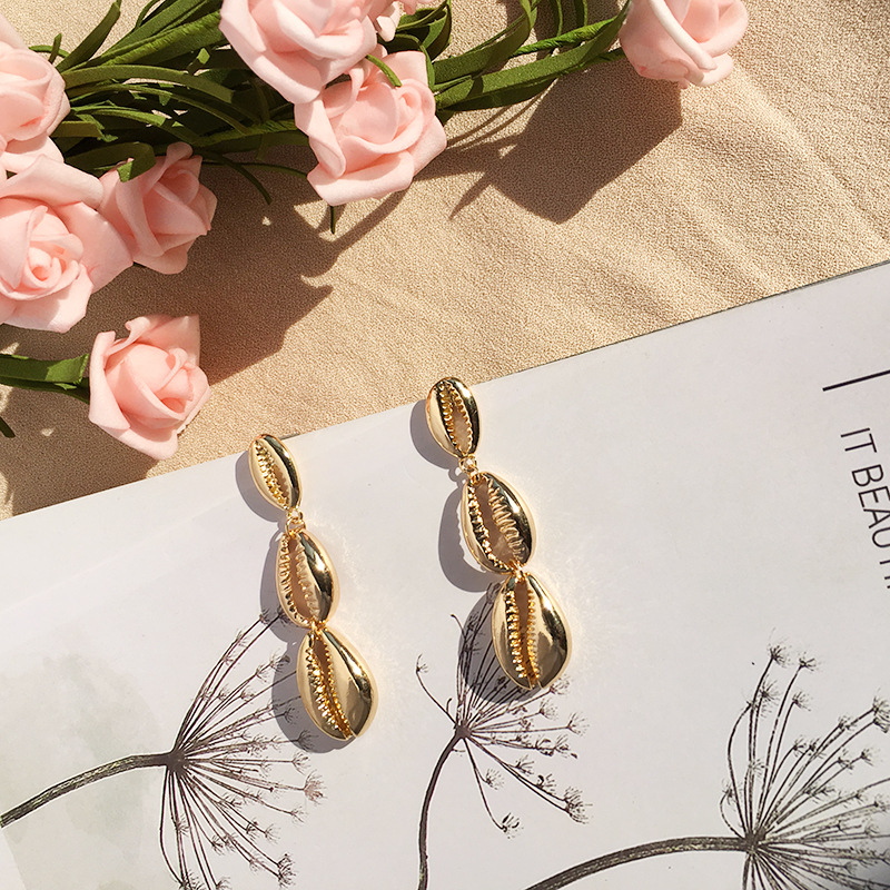 New Sea Shell Earrings For Women Gold Color Metal Shell Cowrie Statement Earrings 2019 Summer Beach Jewelry