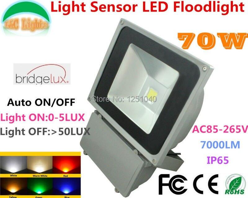 70W Light Sensor Control Floodlights,Can be Auto ON and OFF,LED COB Cast Light,IP65 Outdoor Waterproof Spotlight,2PCs a Lot be 4r5000pg6dc sensor mr li