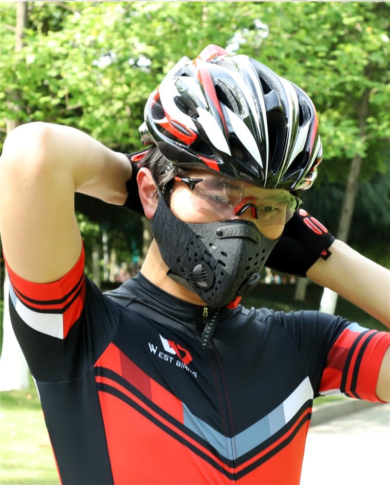 Le Jeune moderne.Santé-Masque anti-pollution Anti-poussière de protection N95 pour moto ou vélo-Masque anti-pollution ou anti-poussière N95. En ces temps où le vélo ou la moto devient un modèle de transportidéal en ville, une protection devient nécessaire pour filtrer les particules fines produits par les véhicules à combustion. Ces masques seront le produit idéal de protection.