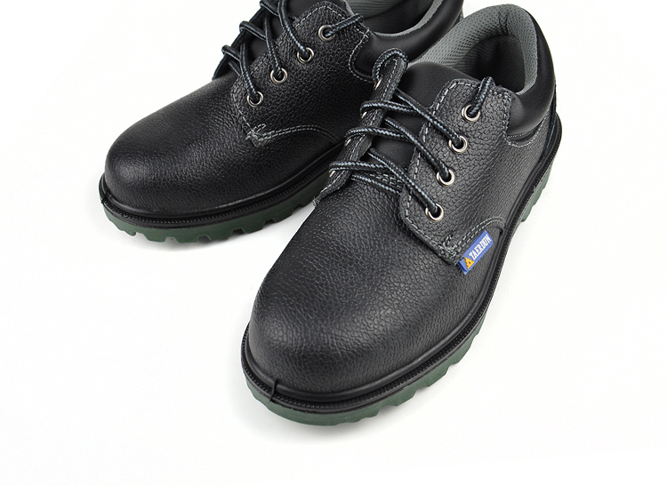 2016 NEW Safety  anti-smashing s covering protective shoes safety oil wear-resistant maritime safety