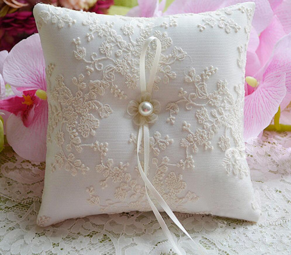 to diynetwork ring wedding decorate entertaining how a for pillow make com step on sew and bearer
