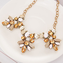 Fashion Rhinestone Flower Statement Necklace Crystal Choker Jewelry Accessories for Women Party Weddings DN1158