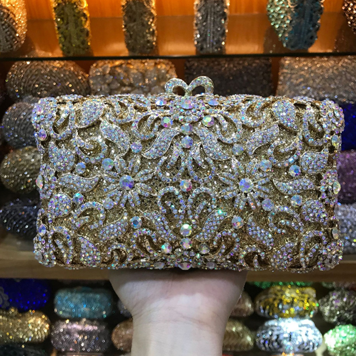 цена на Christmas gift items bag New Clutch Bag crystal evening bag Women party purse bridal Wedding Day Clutches soiree pochette bags