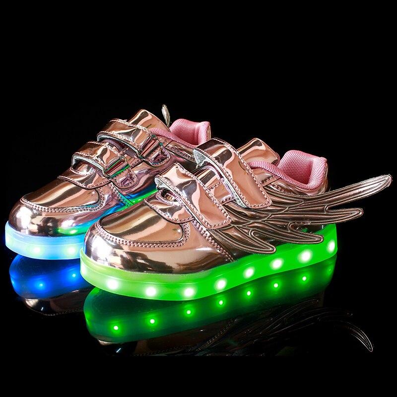 2017 Nuovo usb di ricarica incandescente sneakers Bambini Che Corrono le ali  bambini luci led up luminoso scarpe ragazzi ragazze scarpe di moda in 2017  ... 2e763a49b2b
