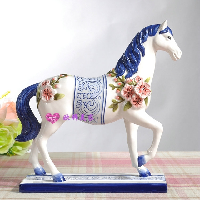 Bleu et blanc en c ramique cheval statue home decor for Decoration chambre cheval