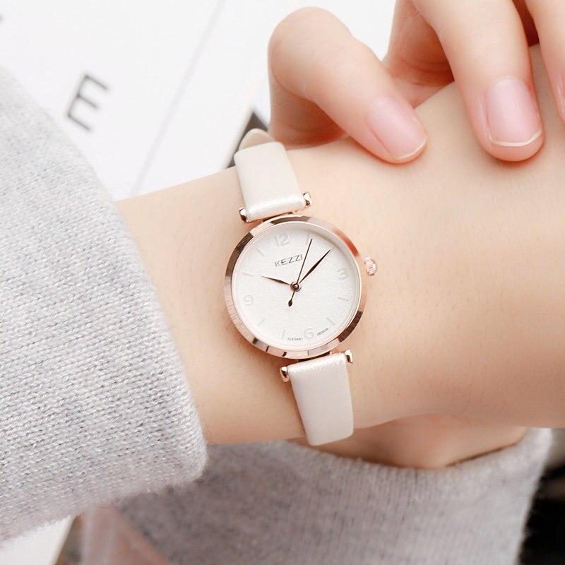 Exquis petit simple femmes robe montres rétro en cuir femelle horloge mode mini conception de marque femmes montres horloge