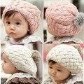 Venta caliente 1 unidades 2016 nueva otoño invierno capó sombrero del bebé del estilo del casquillo del cabrito ganchillo Headwear encantadora del bebé