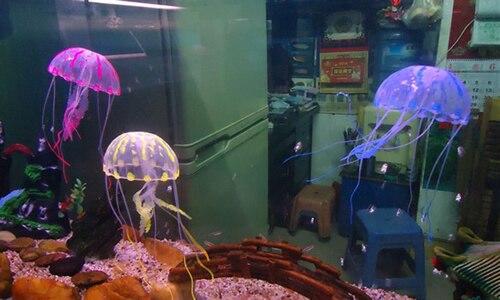 Купить с кэшбэком Glowing Effect Vivid Jellyfish for Aquarium Fish Tank Pool Ornament Decoration halloween or christmas gift