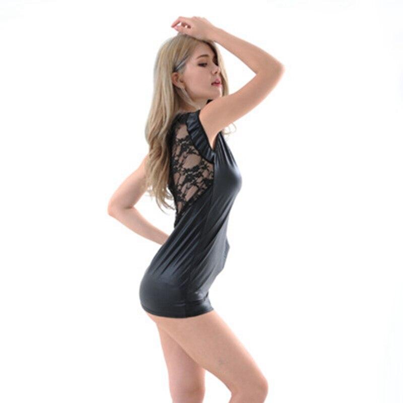 Смотреть у женщинпод платьем телесные колготки