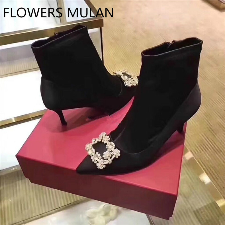 Winter New 2018 Short Ankle Boots Women Pointed Toe Side Zip Elegant Lady Botas Chic Bling Flowers Crystal Buckle Bottes FemmeWinter New 2018 Short Ankle Boots Women Pointed Toe Side Zip Elegant Lady Botas Chic Bling Flowers Crystal Buckle Bottes Femme