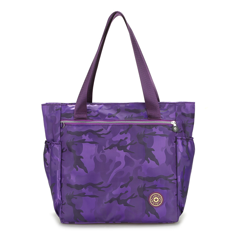 камуфлажна чанта рамото Договорена чанта с джокер пазаруване Лека мека водонепроницаема чанта за развлечение за жени с голяма найлон пътна чанта