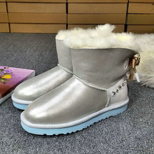 Luxury Winter Fur Boots Australia Sheepskin Snow Boots Natural Wool Middle Classic Boots Crystal Button Warm Flat Shoes L240