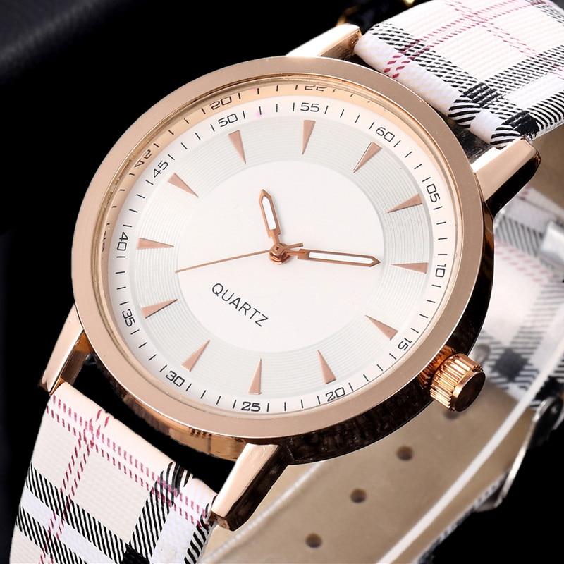 Relojes de mujer 2018 marca de lujo de moda de cuarzo reloj a cuadros reloj  de oro rosa Dial vestido Casual reloj de pulsera reloj femenino 9b1ae7d33f99