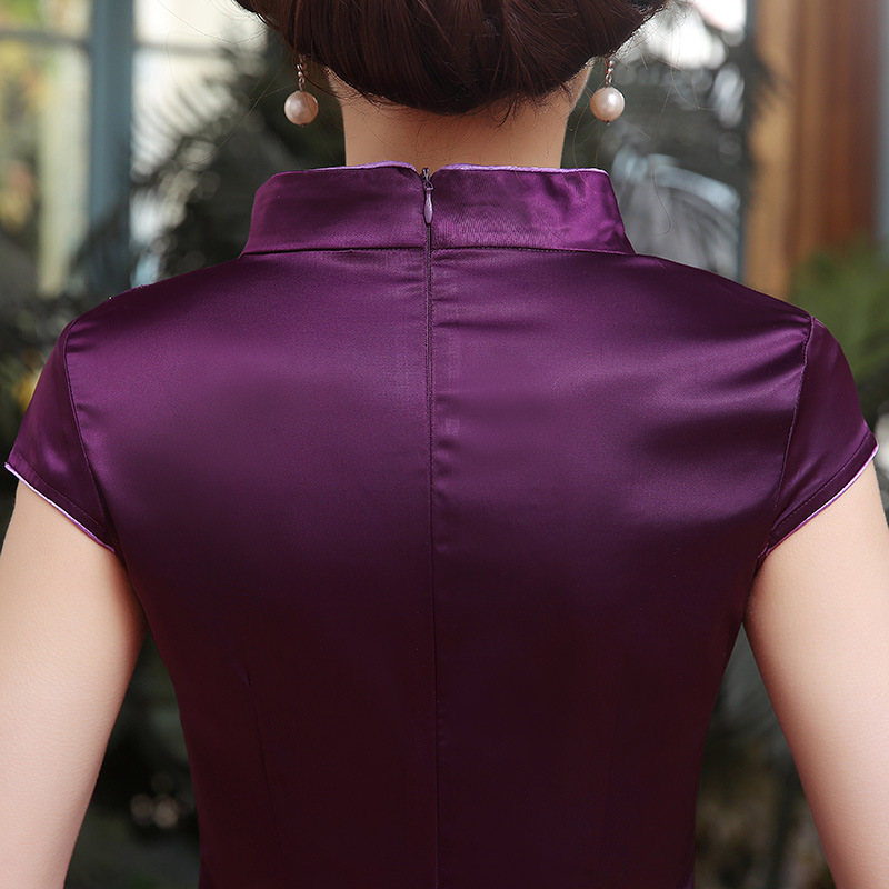 2019 Summer Vintage Embroidery Flower Lady Cheongsam Plus Size 3XL 4XL 5XL Mini Sexy Chinese Dress Elegant Low Split Qipao