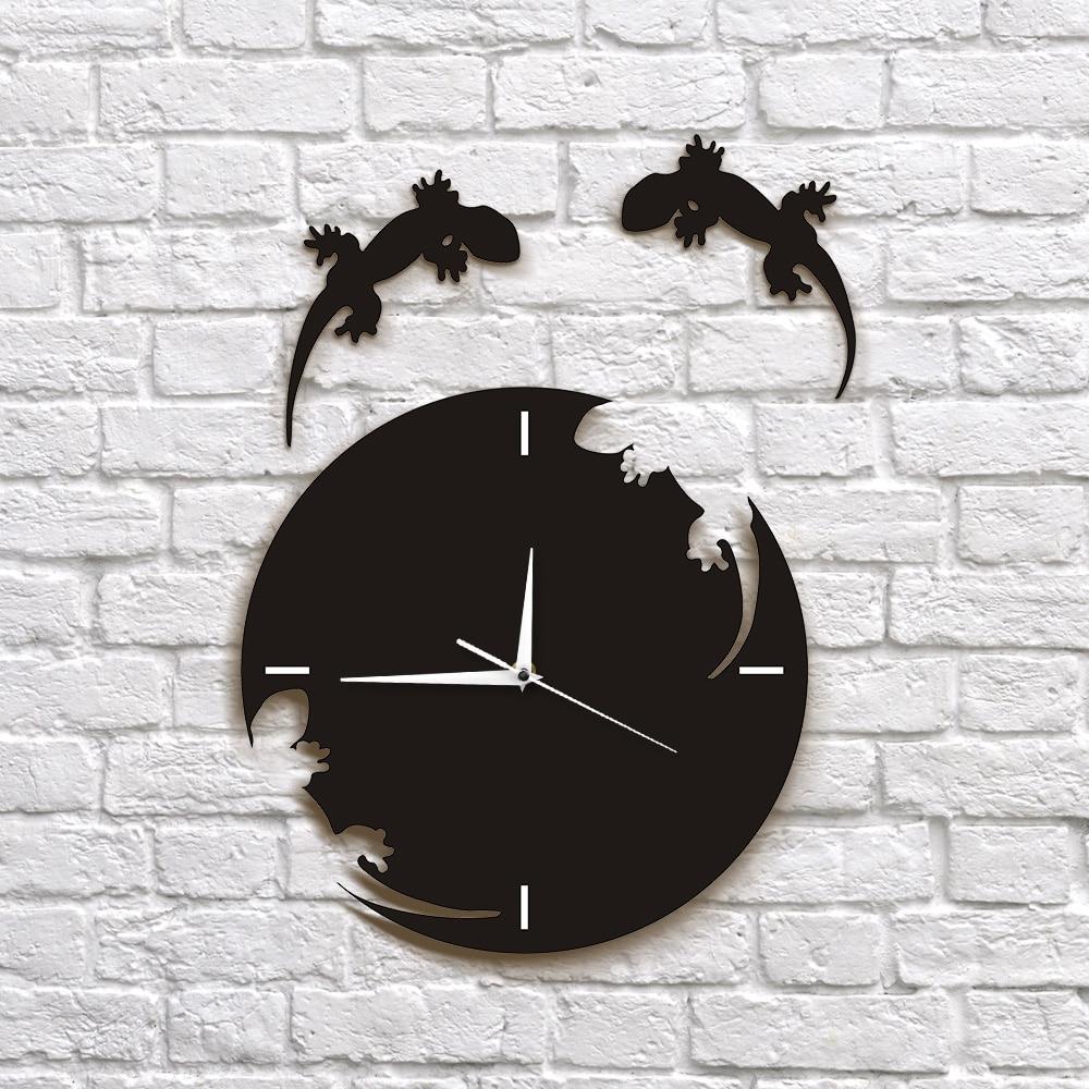 Abstract Wall Art Geckos Escape From The Clock Gecko Wall Clock Salamander Gecko Lizard Silhouette Reptile Designed Wall Clock Just6F