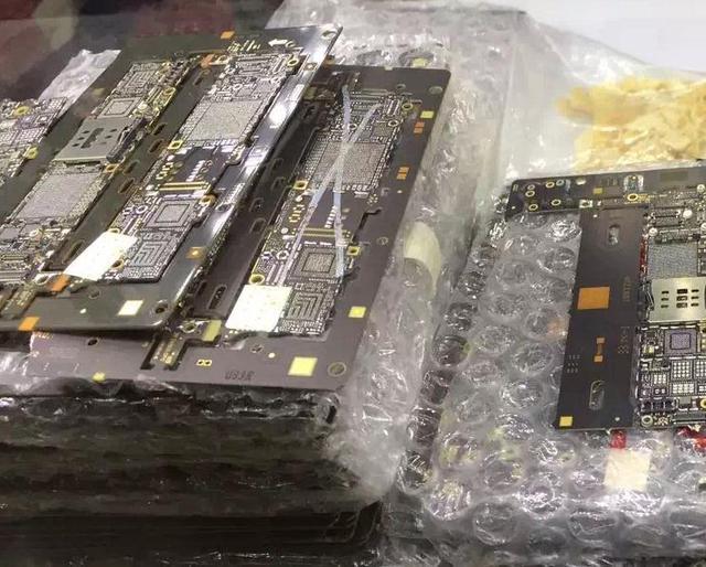 Incompleta sin los chips principal para el mantenimiento de una base de piezas de reparación del tablero de lógica para iphone 5